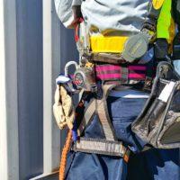 スケール、セーフティーワイヤー、安全帯等を標準装備。重装備であるが、一人前の証でもある